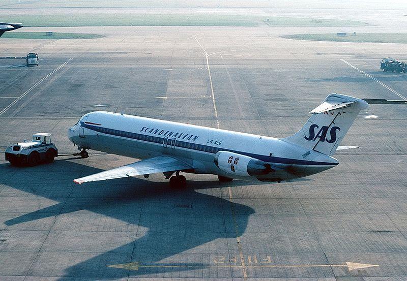Scandinavian Airlines System Sas Douglas Dc 9 41 Ln Rlu Eivind Viking Being Pushed Back For A Mornin Scandinavian Airlines System Airlines Aviation History