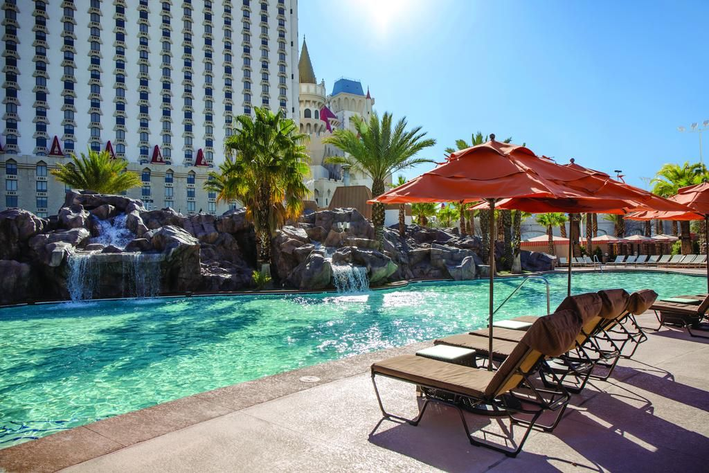 Pin On Las Vegas The Most Beautiful Hotels