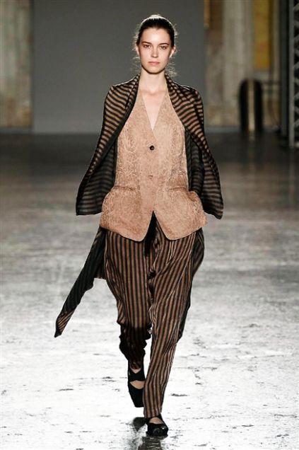 Sfilata Uma Wang - Primavera-Estate 2016 - Milano - Moda - Elle