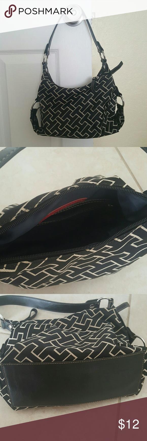 Authentic Tommy Hilfiger purse Excellent condition textile purse.  Make offers!!!! Bundle and save!!! Tommy Hilfiger Bags