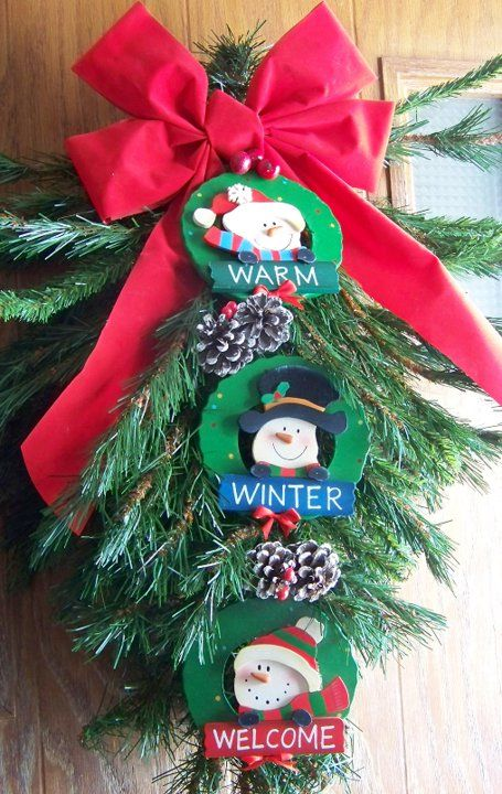 Holiday Door Decoration: Recycle an old tree top from a