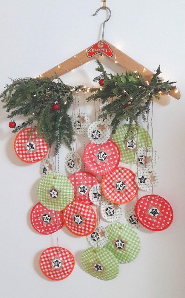 Un calendrier de l'Avent {DiY} réalisé avec de simples caissettes à cupcakes !! #calendrierdel#39;aventdiy Voilà une chouette idée créative pour réaliser un joli calendrier de l'avent rempli de jolies surprises qui rythmeront le compte à rebours jusqu'à Noël !! #calendrierdel#39;aventdiy Un calendrier de l'Avent {DiY} réalisé avec de simples caissettes à cupcakes !! #calendrierdel#39;aventdiy Voilà une chouette idée créative pour réaliser un joli calendrier de l'avent rempli d #calendrierdel#39;avent
