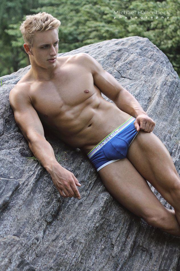 Matt Vose Shirtless Hunks, Male Form, Sexy Men, Hot Men, Men's Swimwear