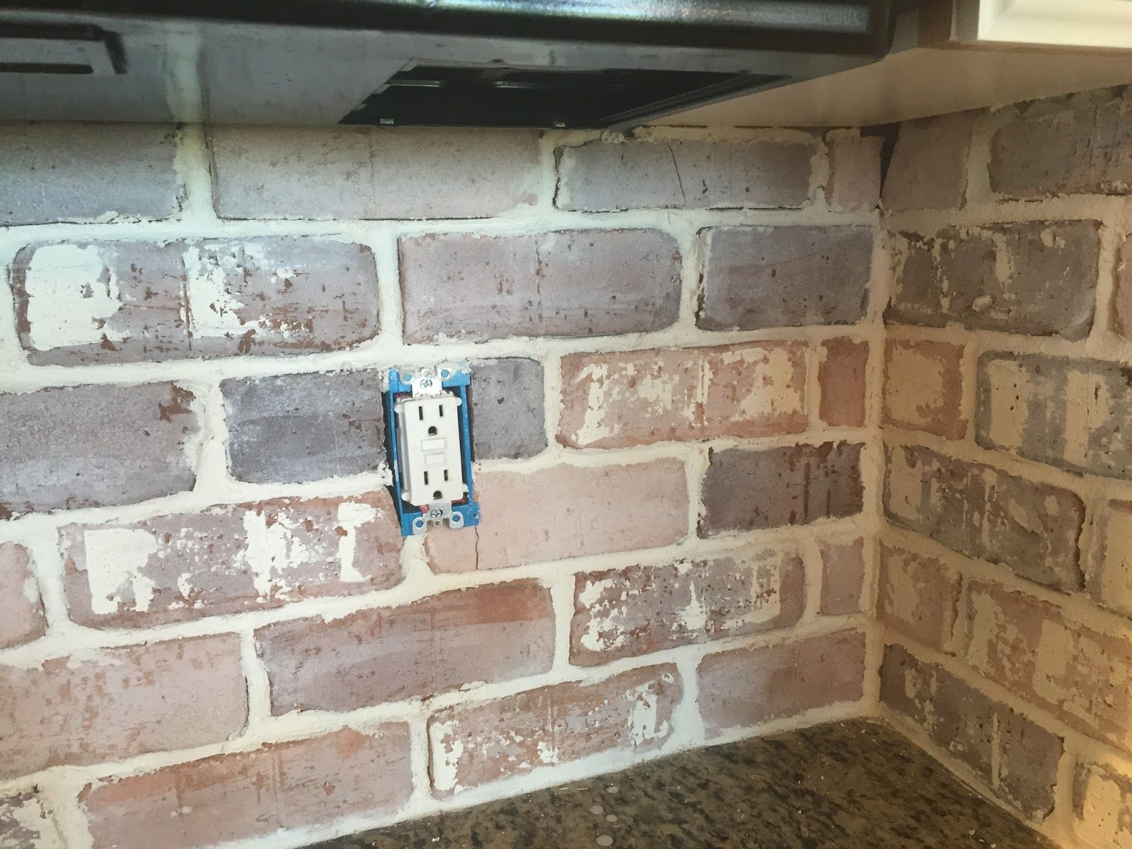 Do-It-Yourself Brick Veneer Backsplash | Faux brick walls ...