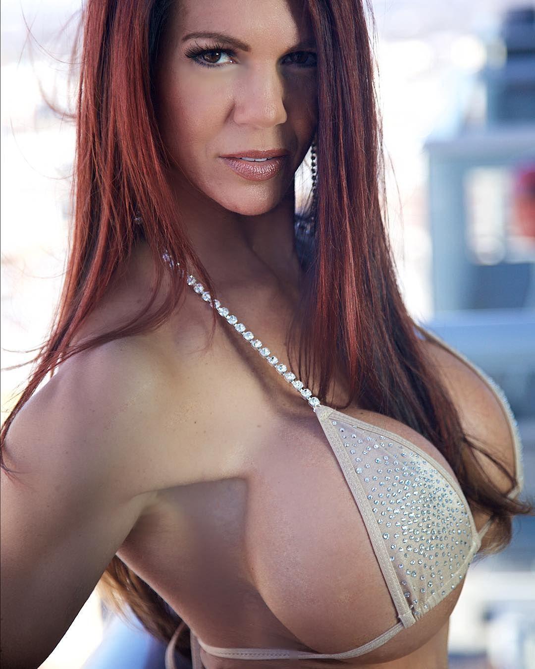 huge tits gifs - big boobs pics - schandevongijon: linda steele