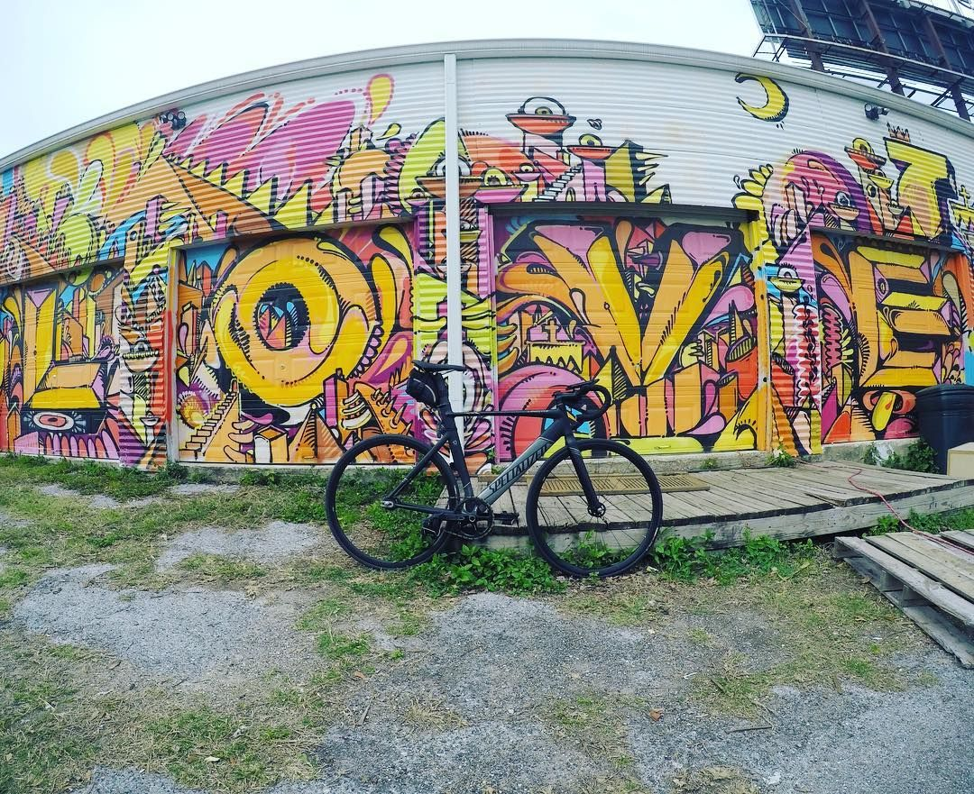 Love and bikes is all we need.  #langsterpro #fixiehouston #fixedgear #houstonfixed #spinncycles #fixie #igfixie #BlackBikesMatter