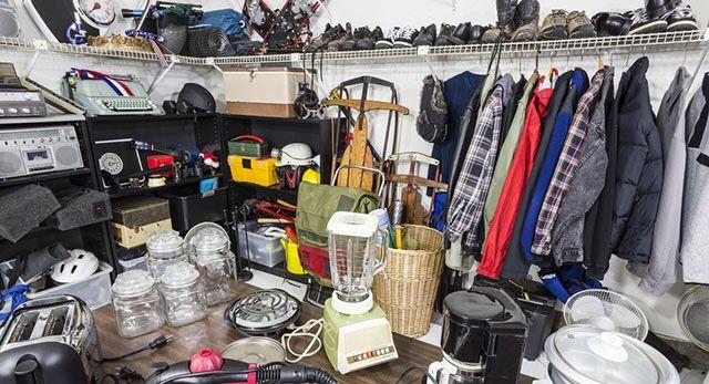 13 Items You Should Never Buy at Garage Sales #Homes http://www.thepennyhoarder.com/never-buy-at-garage-sales?utm_content=buffer02c02&utm_medium=social&utm_source=pinterest.com&utm_campaign=buffer