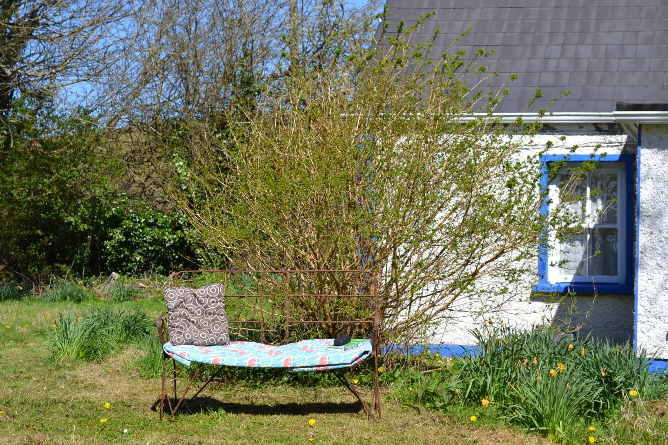 River Cottage. Traditional Irish country cottage with