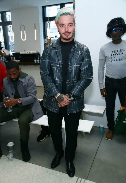 33fed696cf3 J Balvin at the EFM Engineered For Motion Autumn Winter 2017 Runway Show in  January 2017.