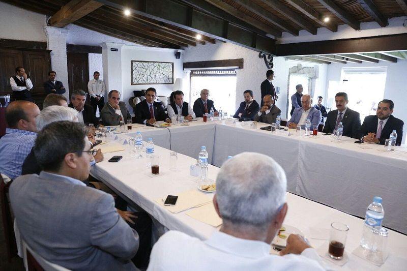 Ante los asistentes a la Asamblea Nacional de la Asociación Mexicana de Distribuidores de Automotores (AMDA) en Morelia, el…