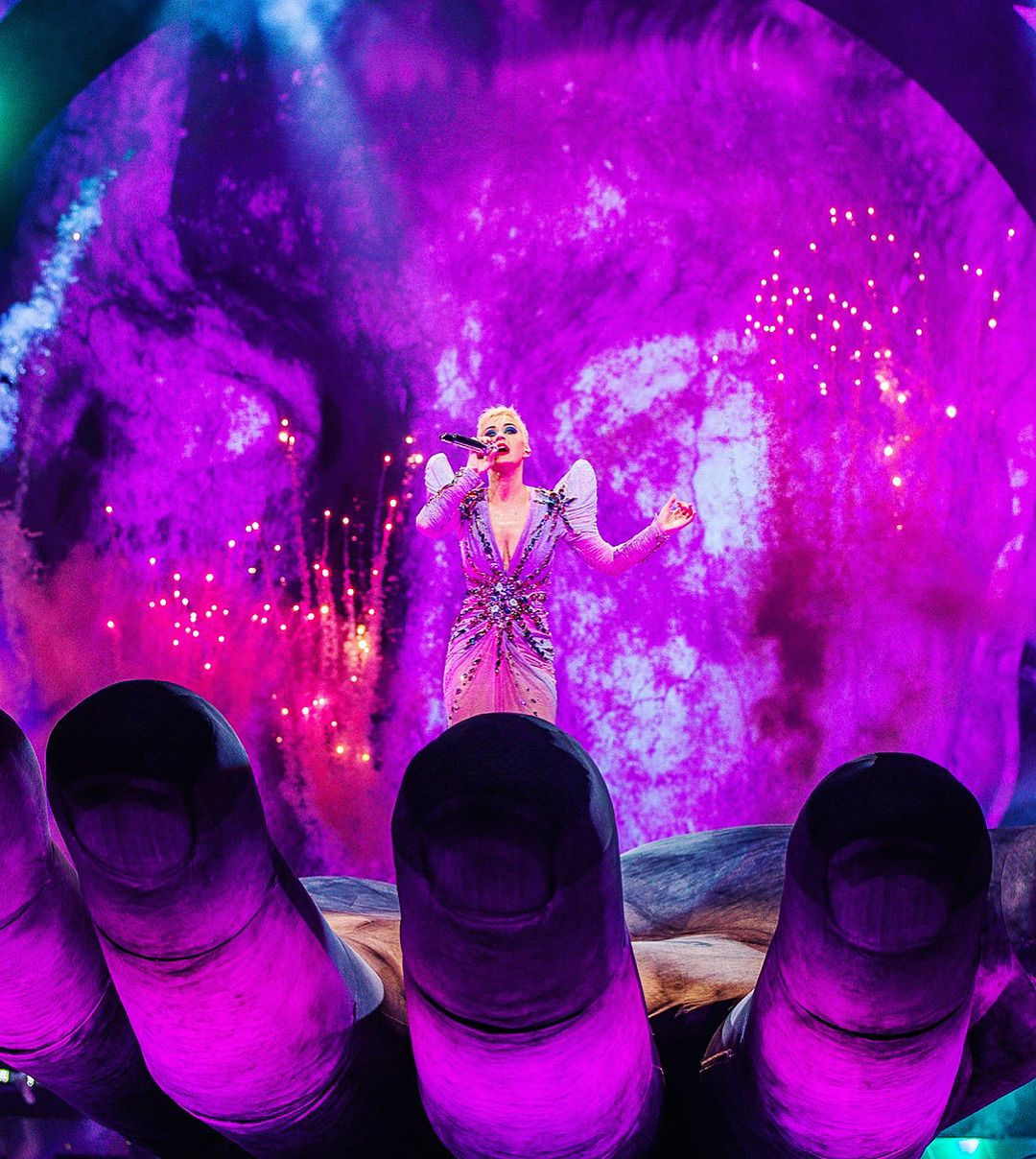 Witness The Tour In Montreal Canada Photographed By Rony Alwin
