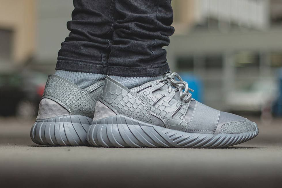 Adidas Tubular Doom Primeknit blue Sneaker Review On feet by