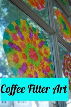 déco fenêtres = filtres à café teints