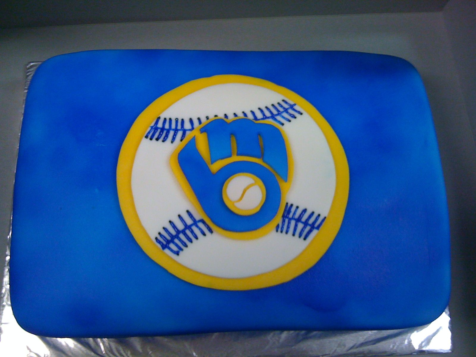 Groovy Milwaukee Brewers Cake Milwaukee Brewers Clothes Funny Birthday Cards Online Sheoxdamsfinfo