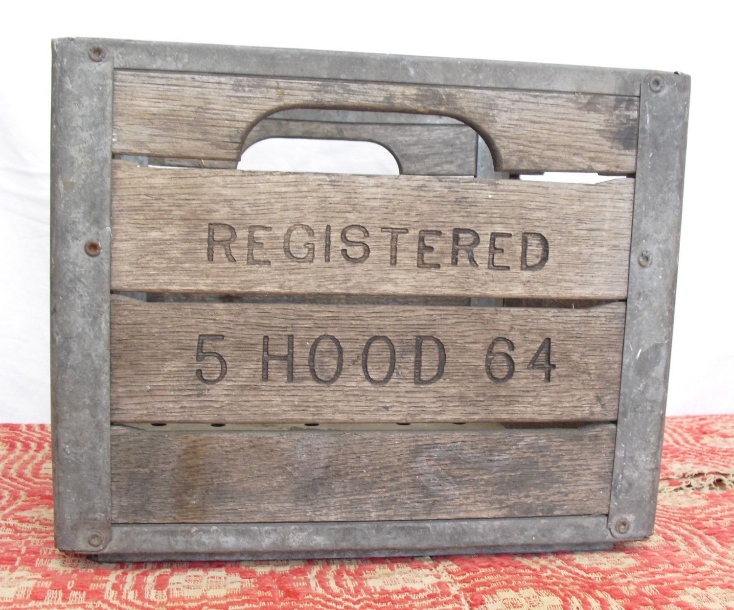 Authentic Hood Milk Crate 1964 H P Hood Old Milk Crate Vintage Wooden Milk Crate Rustic Dairy Crate Boston Mil Crate Decor Milk Crates Milk Crate Furniture