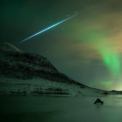 Aurora Shimmer, Meteor Flash Credit & Copyright: Bjørnar G. Hansen,
