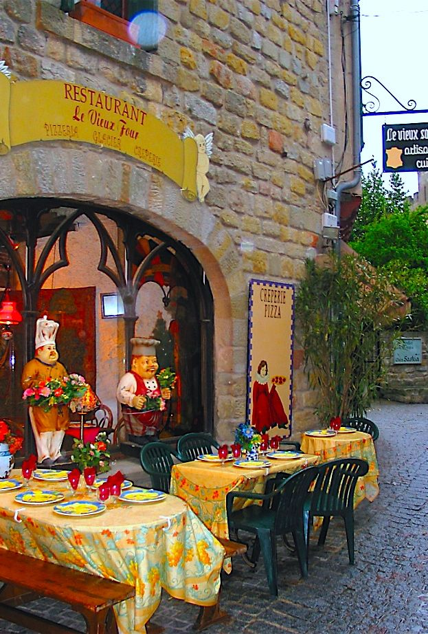 Meval Carconne Languedoc Roussillon France Sidewalk Cafe Delicious Food And Wine
