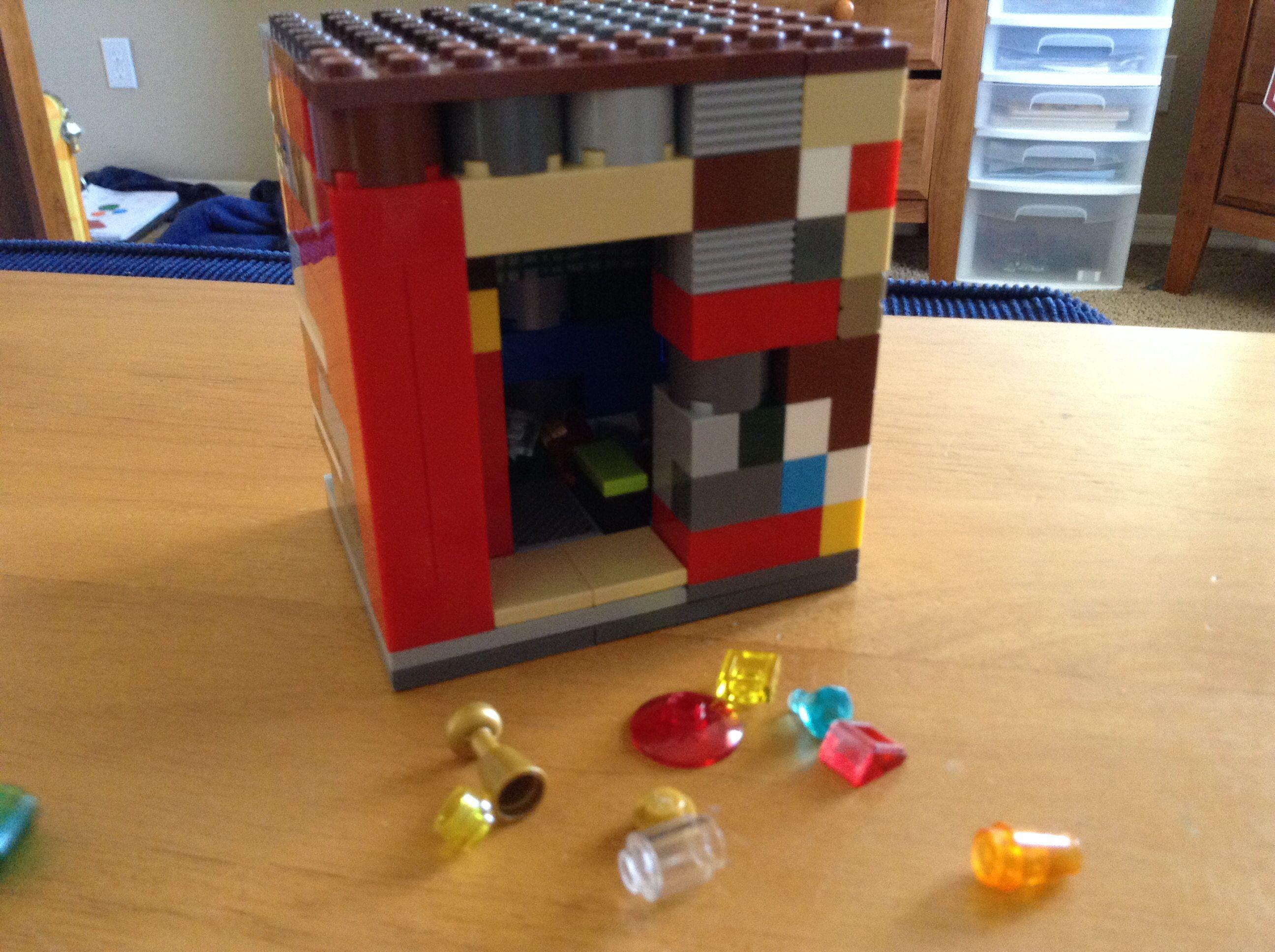 Lego safe, it's has a door, and I don't know how to put double pics