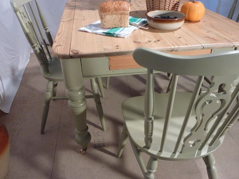 Victorian Pine Farmhouse Table and 4 Chairs-Painted Vintage . - Victorian Pine Farmhouse Table And 4 Chairs-Painted Vintage