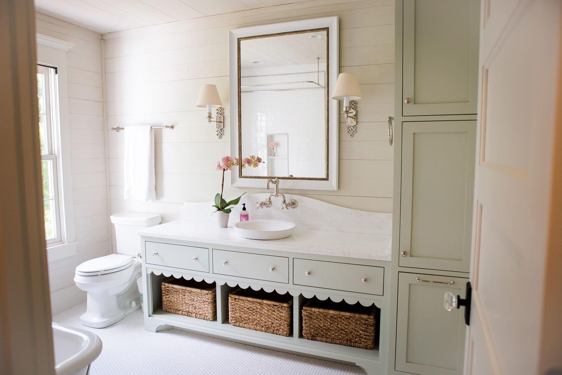 BATHROOM : MARBLE : SHIPLAP : SIMPLE DESIGN : Southern Farm House No ...