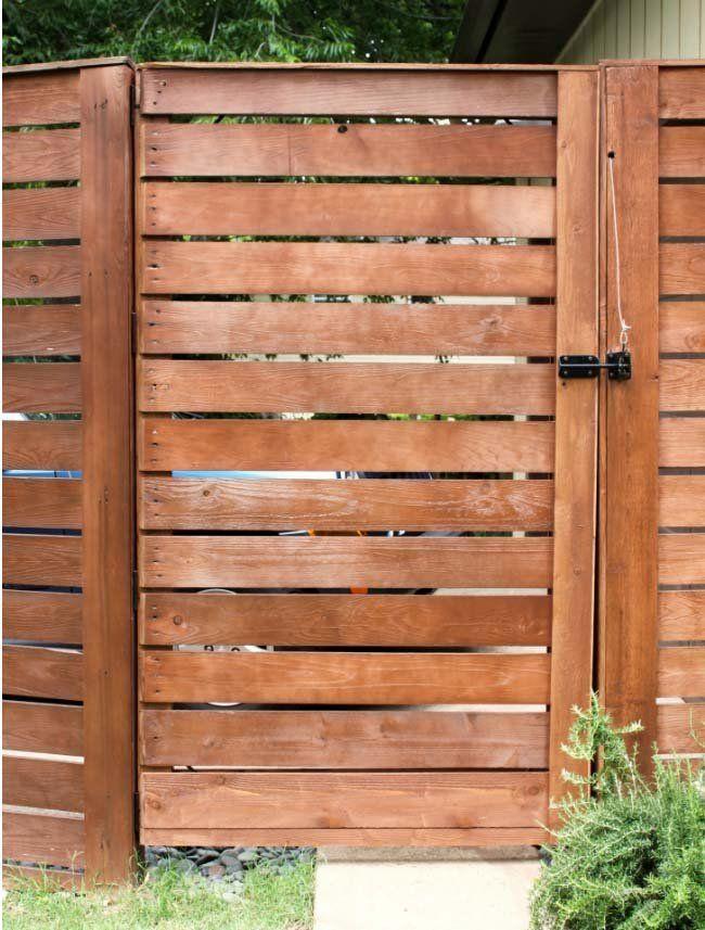 Puertas madera batientes abatibles lamas horizontales de - Puertas para cerramientos ...