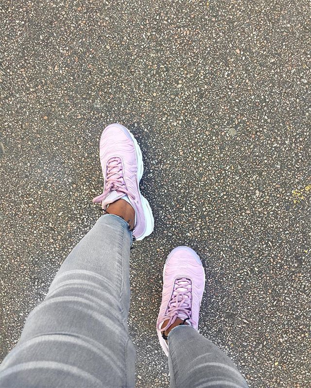 Womens sneakers, Fashion shoes sneakers