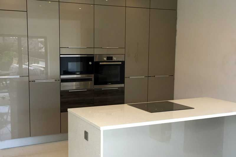 An Innova Altino Champagne Kitchen -   wwwdiy-kitchens