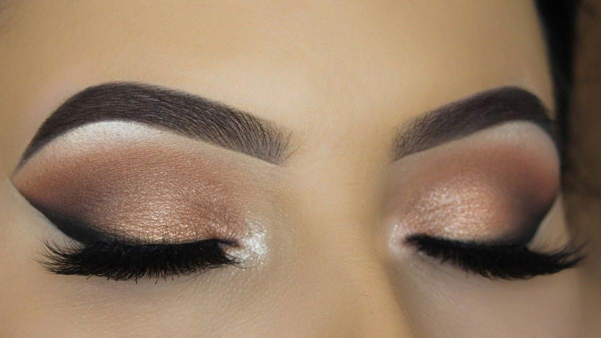 Classic Smoked Winged Liner Eye Makeup Tutorial #Wingedliner #wingedliner