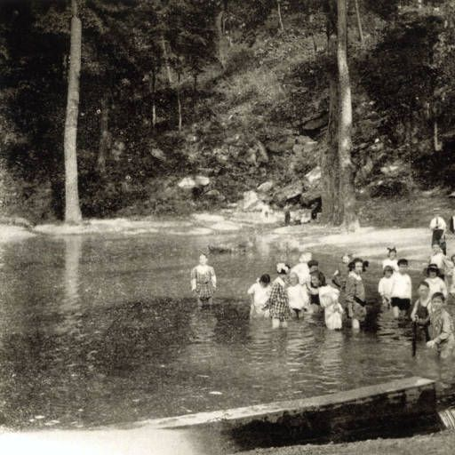 Avondale Birmingham Al: Wading Pool, Avondale Park :: 1910