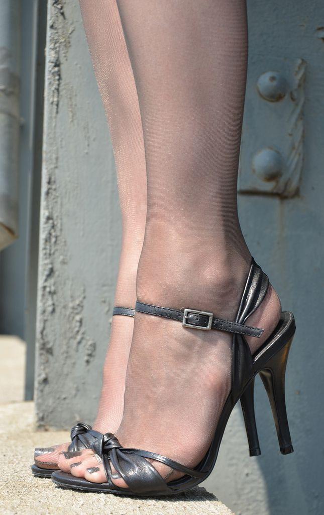 Sandal with pantyhose