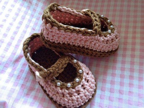 Baby Girl Crochet Booties, Crochet booties, Baby Girl, New Baby Gift, New baby gift.