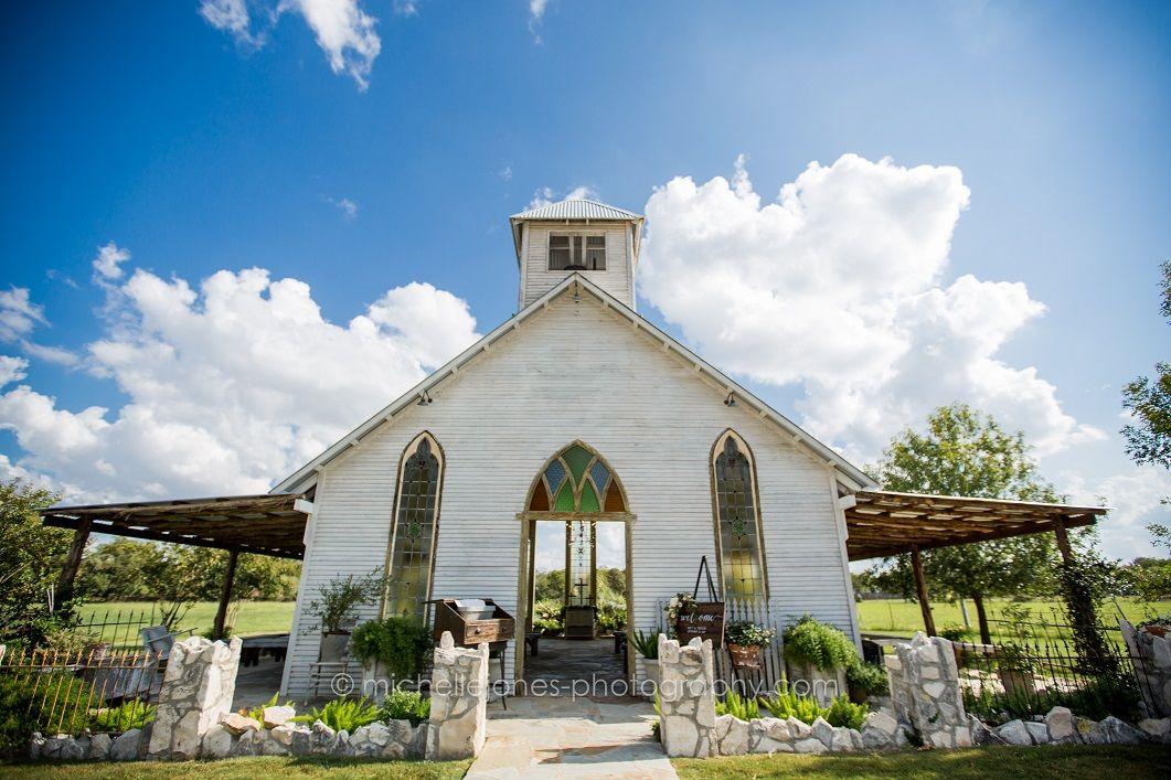 Rustic chic open air chapel in Gruene Texas. Gruene Estate ...