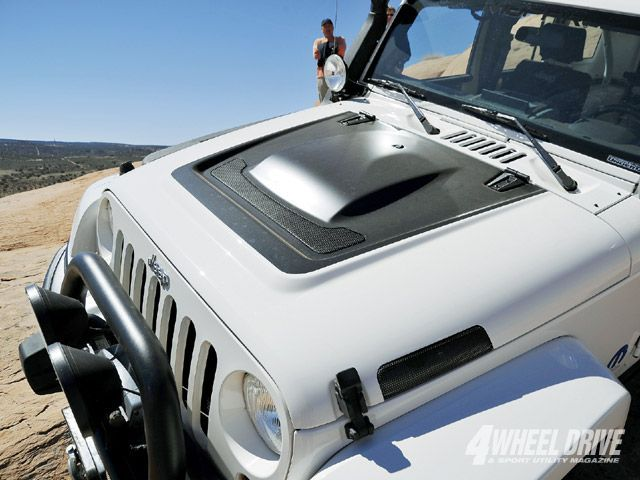 Jeep Jk Wrangler Unlimited Rubicon Aev Hood Never Have I Been This Attracted To The Hood Of A Vehicle Jeep