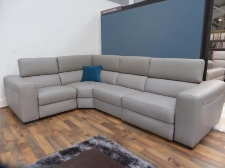 Natuzzi Editions Urban 4 Piece Modular Corner Sofa With Power Recliner At  Each End This Magnificent Sofa By Natuzzi Editons Is Fully Upholstered Inu2026
