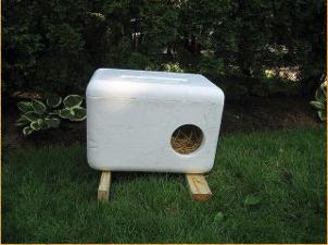 Feral Cat Box For Winter Elevated Styrofoam Straw