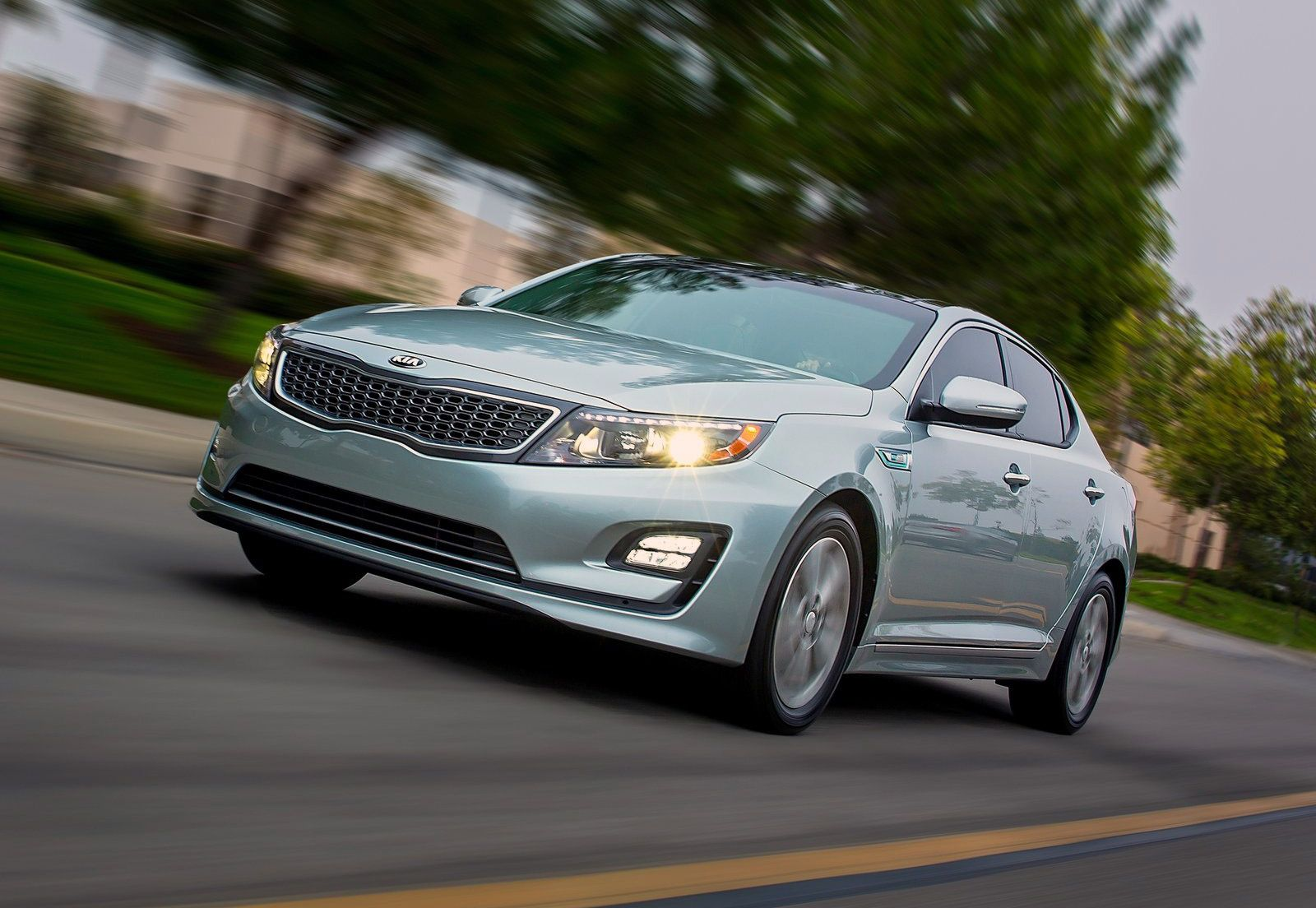 Hugedomains Com Worldcarwallpapers Com Is For Sale World Car Wallpapers Kia Optima Fuel Efficient Cars Kia