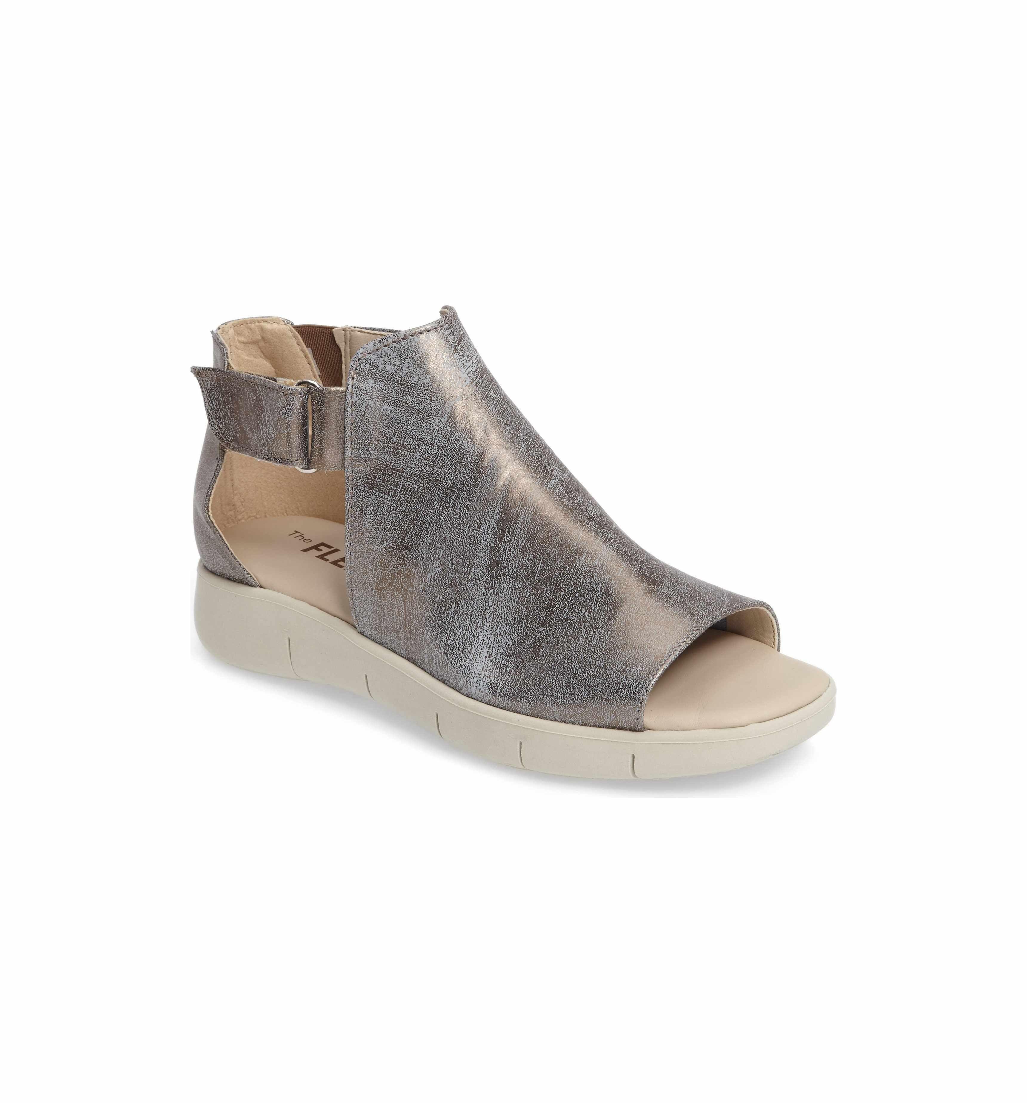 Front Row Sandals HPCSL8Qd