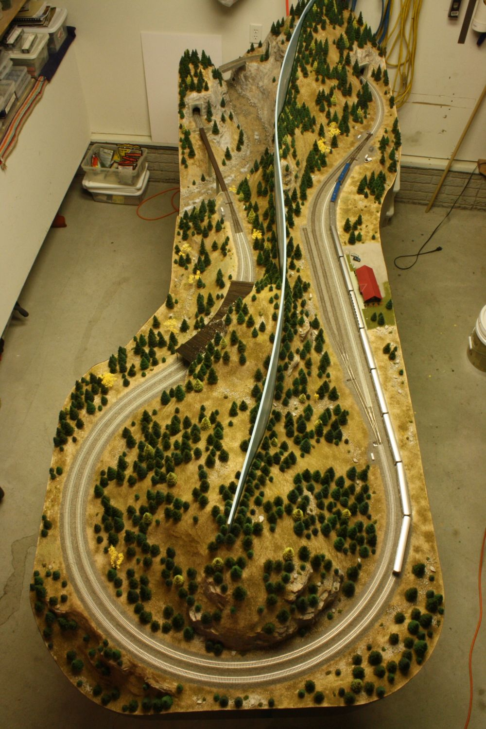 Ho 3 Train Layouts 4x8 Google Search Model Trains Model Train Layouts Ho Scale Train Layout