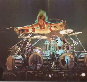 Van Halen live in Phoenix, 1981 - Guitars101 - Guitar Forums   Rock