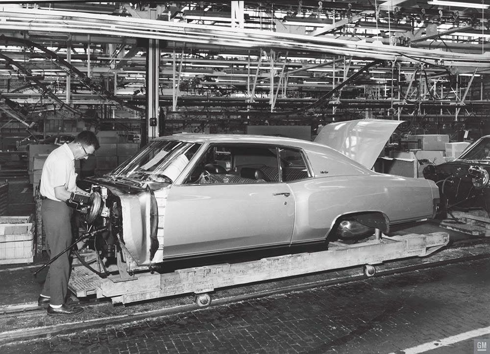 Pin by Ken on Auto assembly line | Pinterest | monte Carlo, Chevy ...