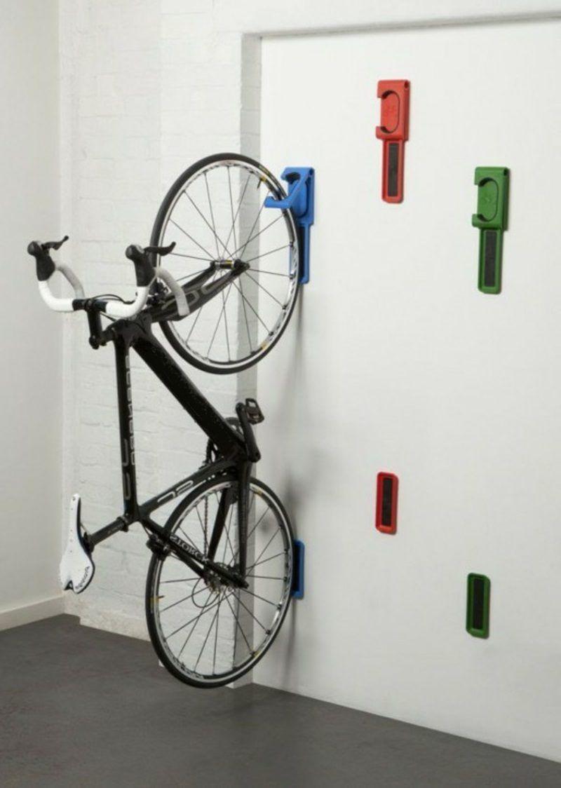 Interessante Ideen für Fahrradhalter Wand | Fahrradhalter, Wände ...