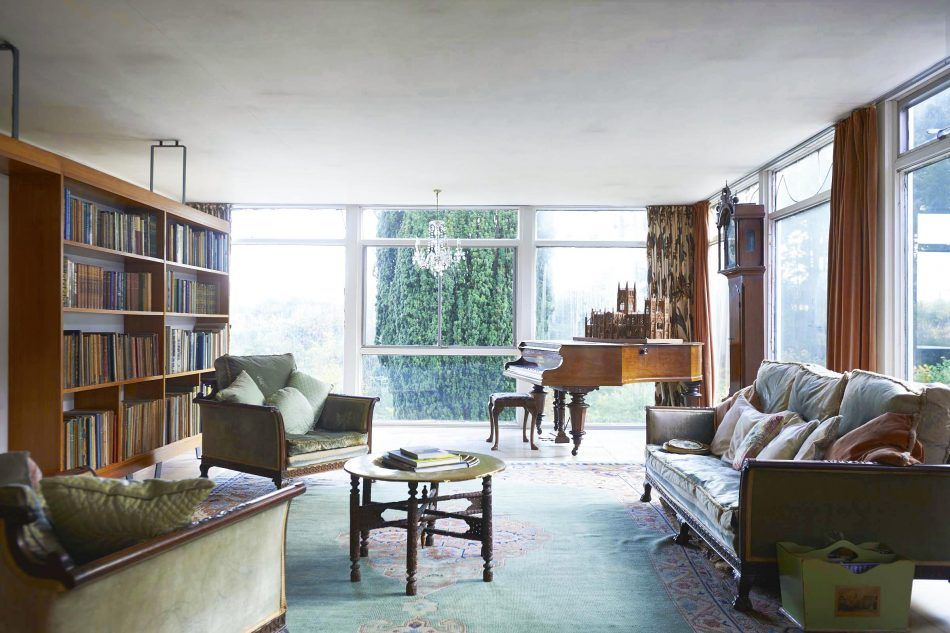 This incredible property set in the idyllic Somerset countryside is a historic stone cottage attached to a striking and substantial 1960s Modernist house. Extending to a total of over 3,200 sq ft and with six bedrooms and two reception rooms, it could potentially be utilised as either one or two properties. The property has been […]