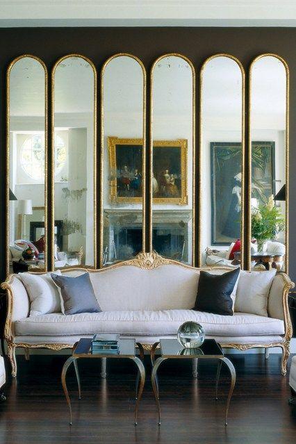 Drama Drama Drama Vintage sofa, Hohen decken und Spiegel - wohnzimmer spiegel modern