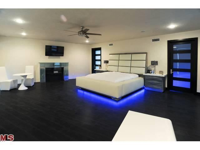 Led Lights Under A Bed Cool Or Tacky Bedroom Design Master Bedroom Design Master Bedroom