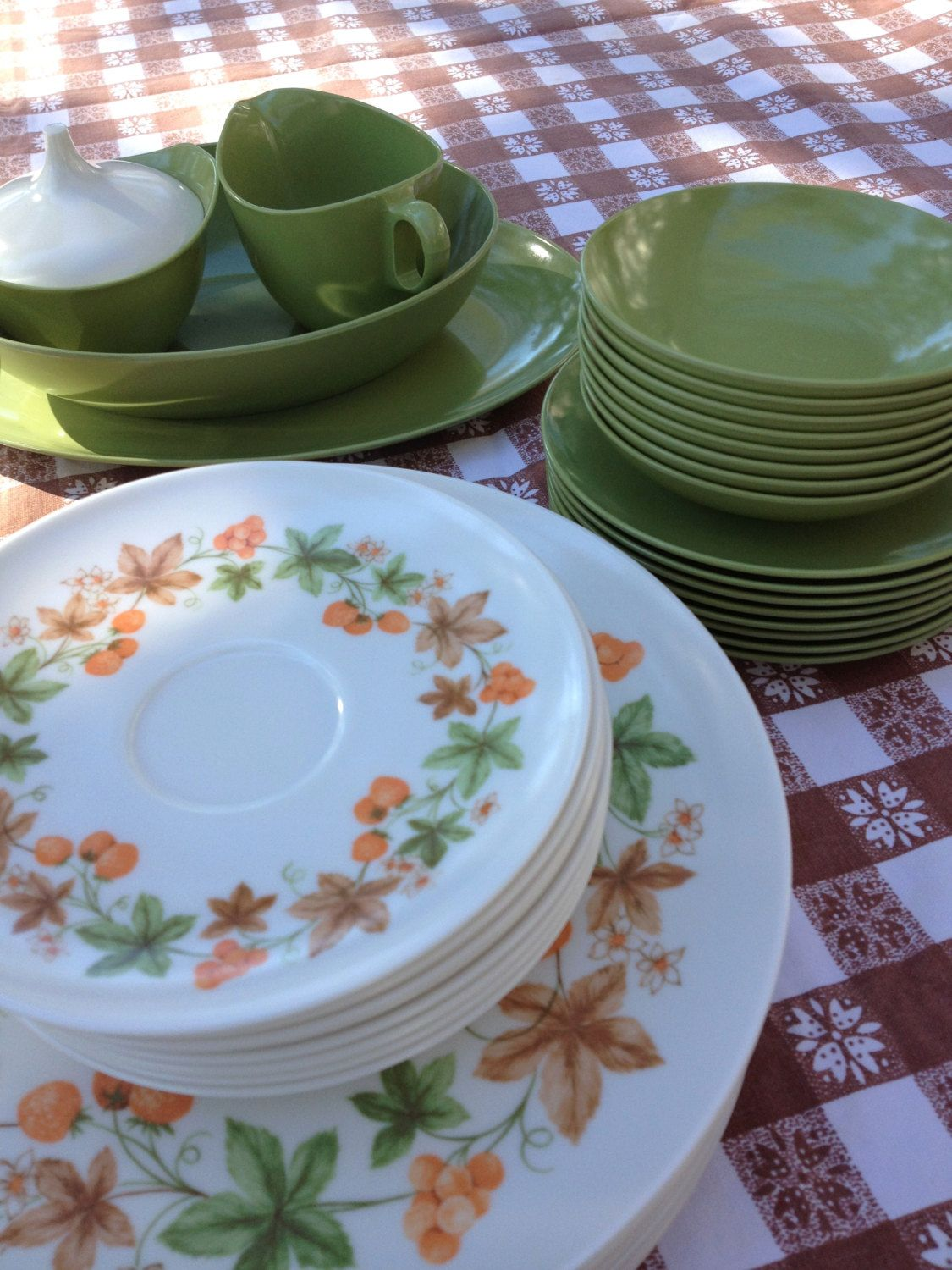 vintage oneida melamine dishes collection of 44 pieces marked od avocado and orange1960s kitchen - Melamine Dishes