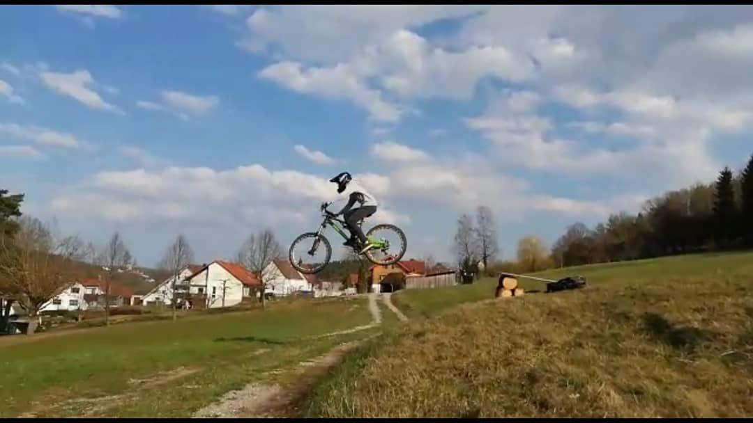 Downhill Freeride Enduro Whip Tabletop Jump Kicker Bike Bikepark