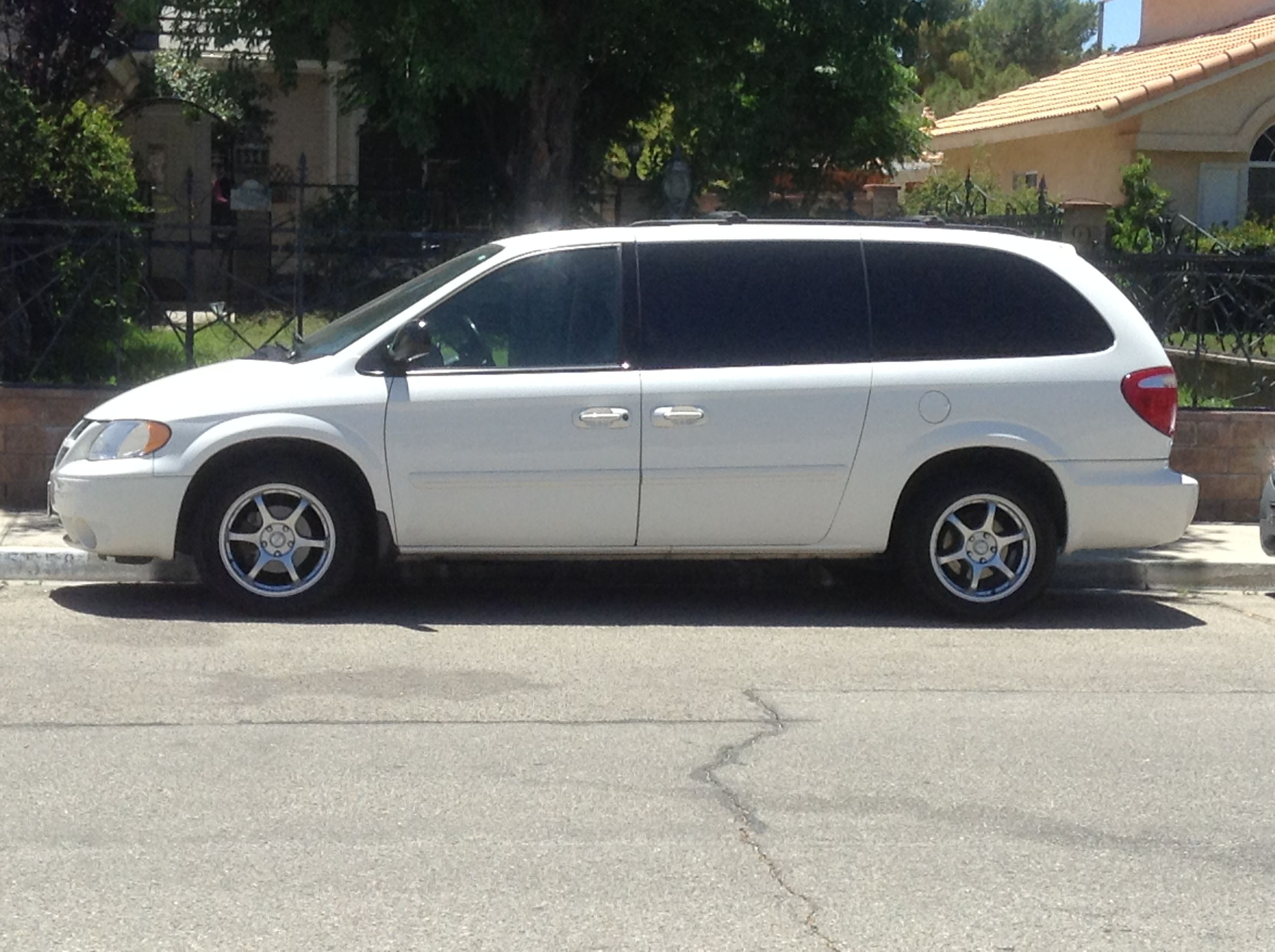 2006 Dodge Grand Caravan Sxt 7750 00 Obo Low Miles Clean