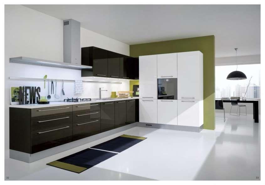 Idee per arredare una cucina moderna - Cucina bianca e marrone ...