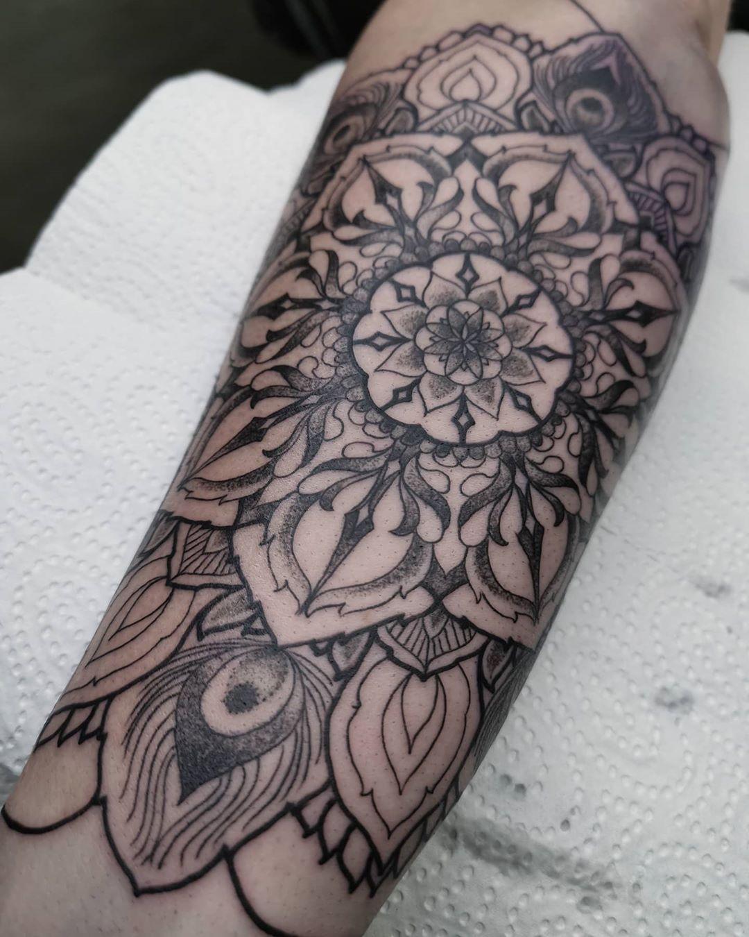 Another mandala, not all the way done, start of a half sleeve  #cgn #blackwork  #tattoo #tattooflash #germantattoers #tattoosketch  #blackworkers #dotwork #ornamental #mndala #taot #neotraditional#thenewtraditionalists #tätowiermagazin #tattookulturemagazine #tattooing #newtrad #topclasstattooing #nxtlvltattoo #ninemag #supportgoodtattooers #instaink #instatattoo #tttism #tattoocollectors #txttooing #germantattoers  #flashaddicted #powerhousetattookoeln