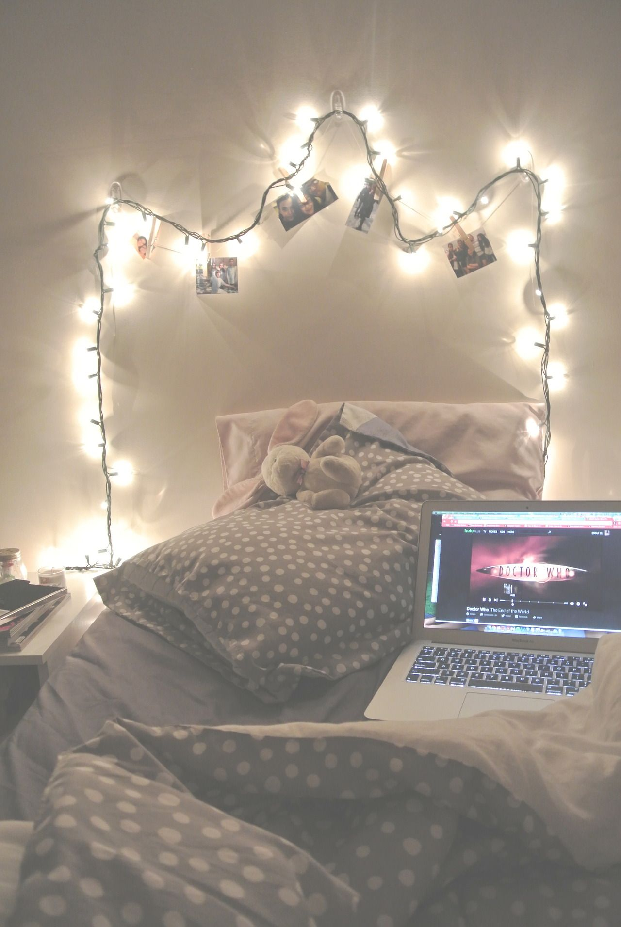 Tumblr bedrooms bedroom ideas pinterest don 39 t let string lights and dr who - Bedroom decorations tumblr ...
